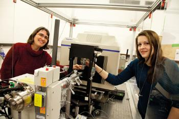 X-RAY VISION: Professor Ute Krengel and PhD Candidate Julie Heggelund use a small x-ray machine at the Department of Chemistry to find the molecular structure of the cholera toxin. Photo: Yngve Vogt